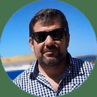 Manuel Reyna, Directivo de APROTUR y empresario gastronómico de Piriápolis: Estamos bien preparados para esta temporada. Tenemos el 80% de los servicios activos y cumpliendo con los protocolos dispuestos tanto por la IDM como por el Gobierno Nacional. Piriápolis es el destino por excelencia de los uruguayos en verano, ahora vamos por un circuito que involucre a los 8 municipios porque la gente va a llegar por períodos más largos de tiempo.