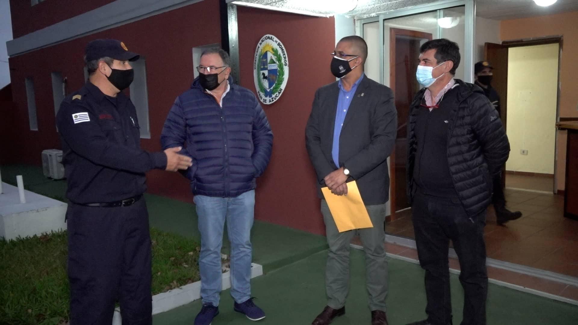 Junta de Maldonado dona mobiliario en desuso al destacamento de bomberos de Pan de Azúcar